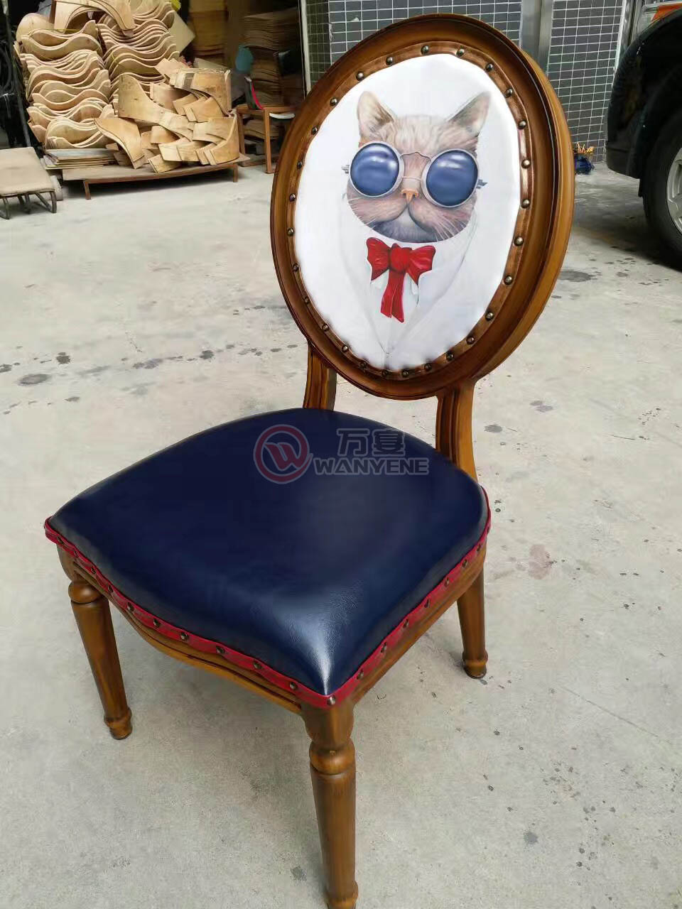 2065 solid wood chair --The Product Image' style=